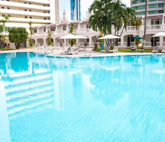 Outdoor swimming pool el panama by faranda grand hotel