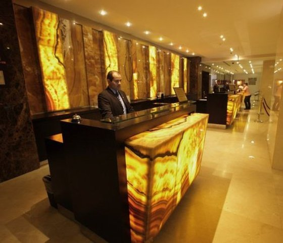 24-hour reception el panama by faranda grand hotel