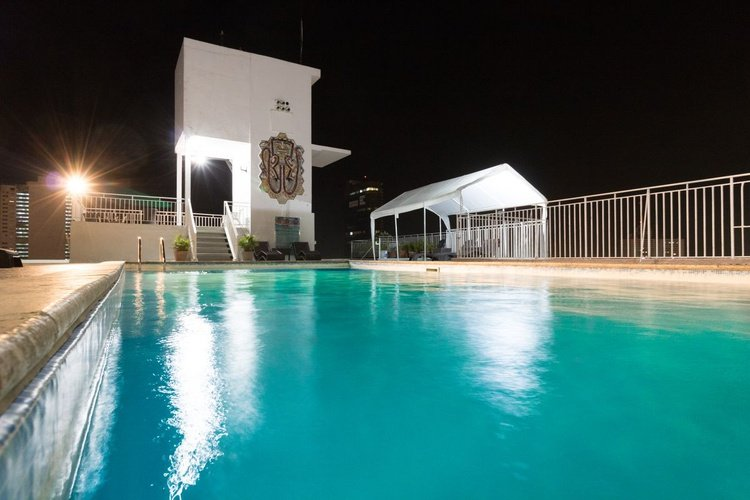 Swimming pool hotel faranda express soloy & casino panama